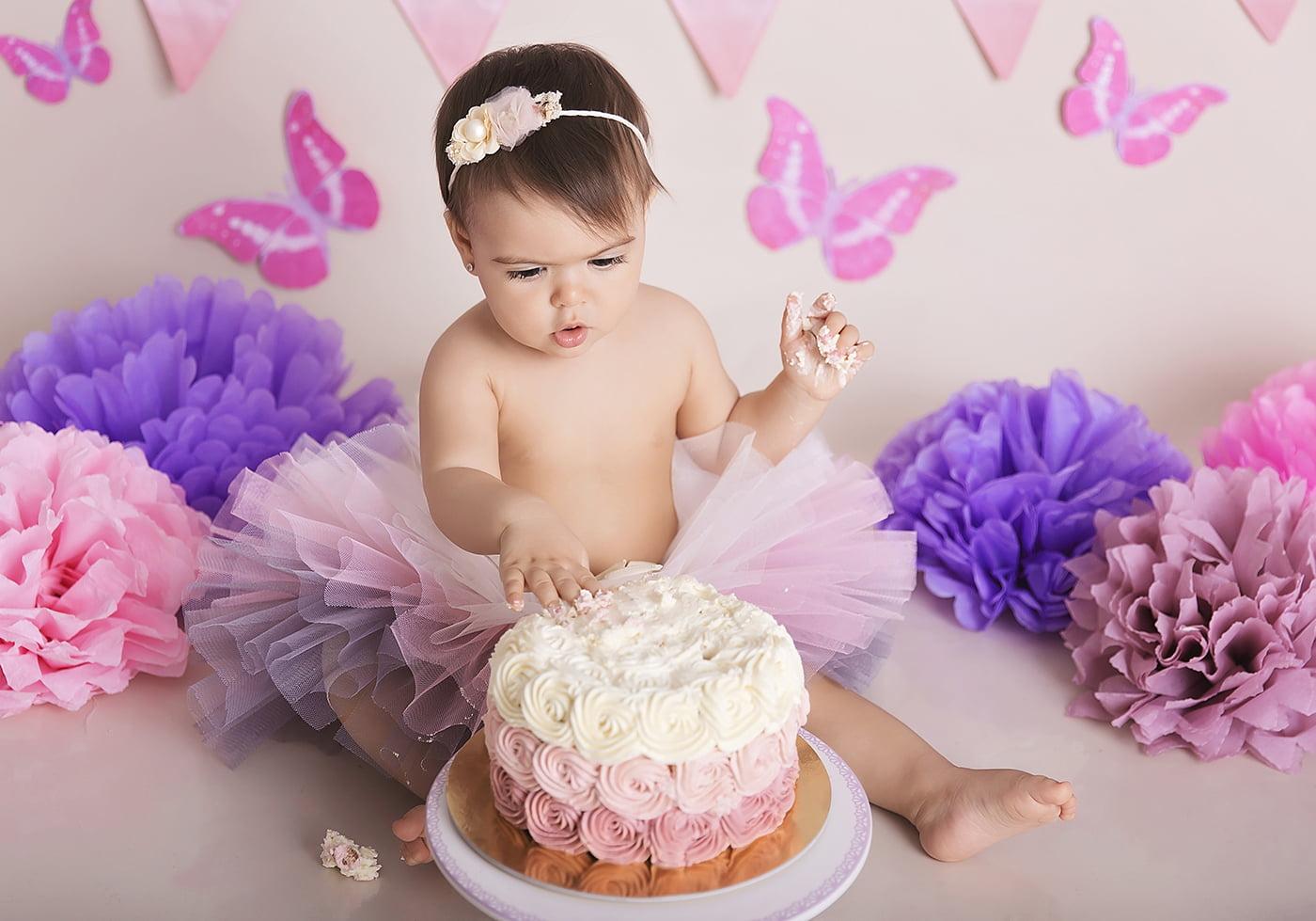 sedinta-foto-1-an-aniversare-cake-smash-fotograf-bebe-bucuresti-mvphotography-amalia- (11)
