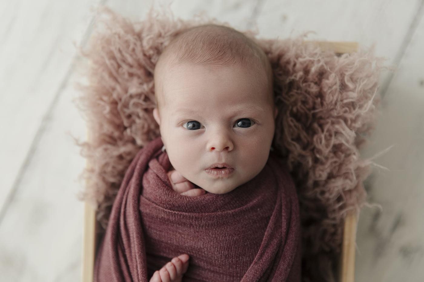 poze-nou-nascut-sedinta-foto-bucuresti-fetita-madalina-vasile-mvphotography-sofia- (6)