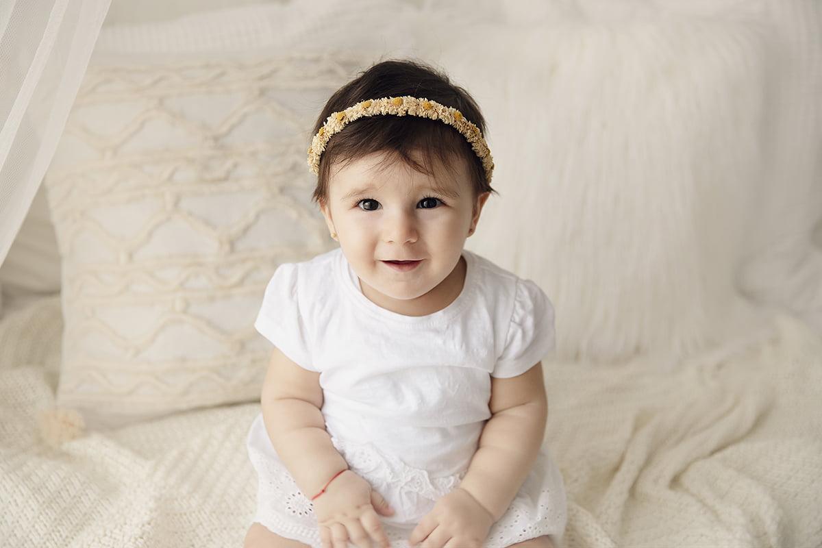 poze-bebelusi-sedinta-foto-bebe-fotograf-familie-bucuresti-studio