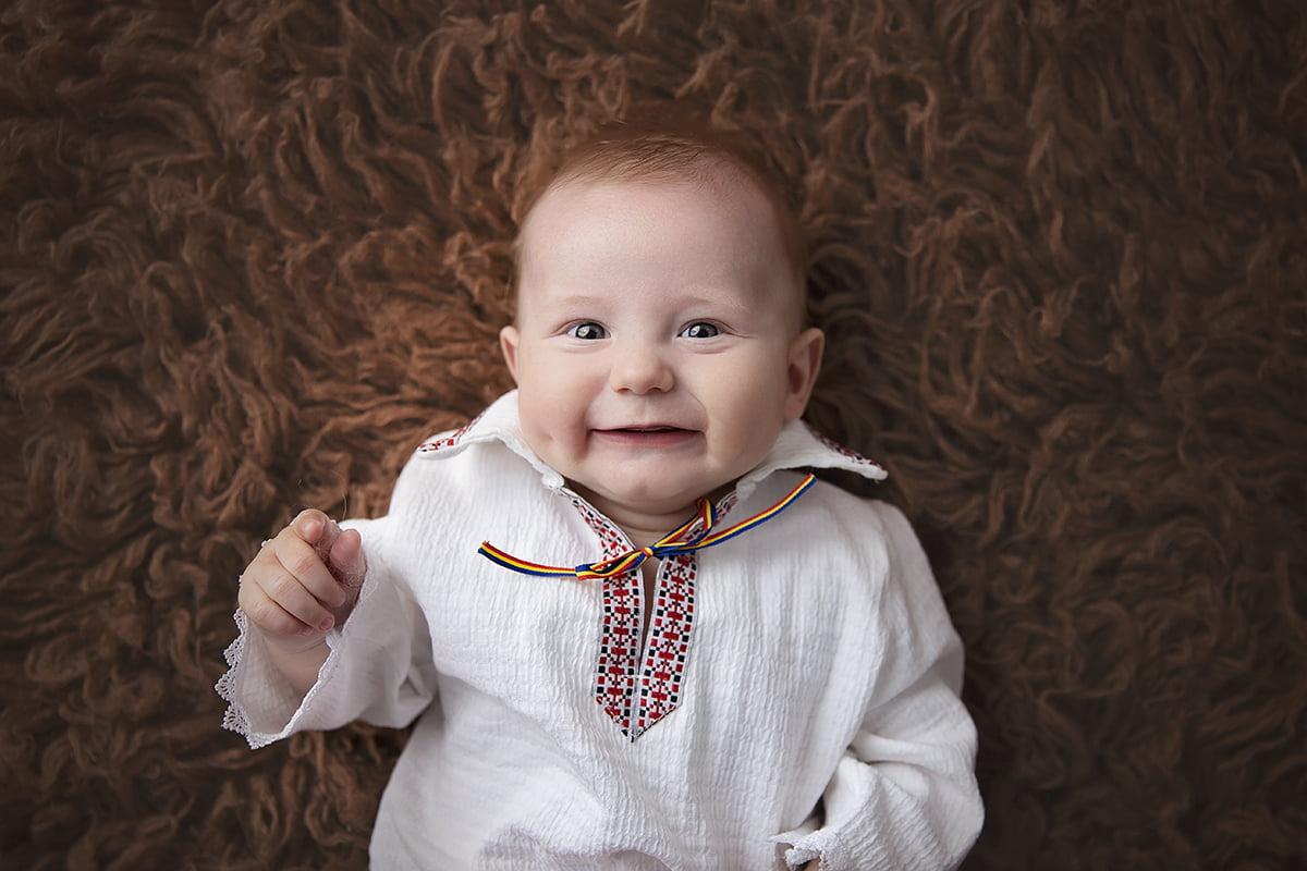 sedinta-foto-bebe-fotograf-poze-bebelusi-familie-bucuresti-studio