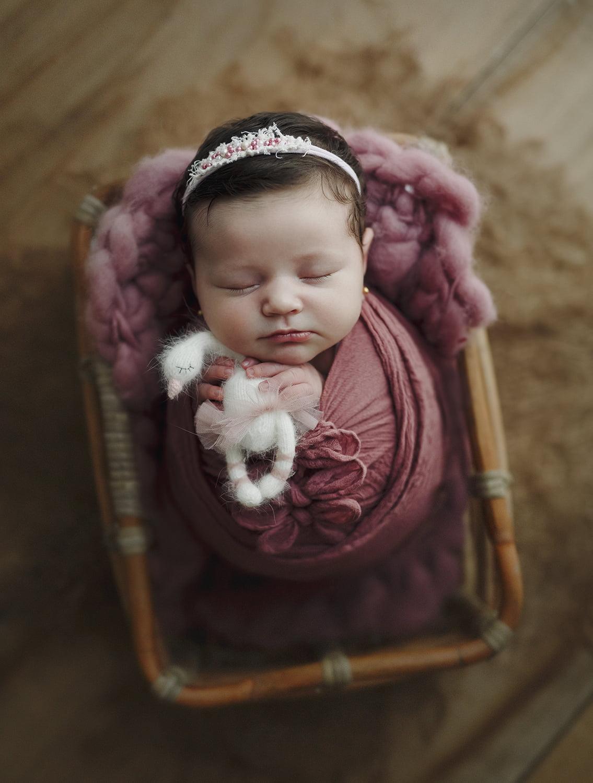 sedinta-foto-bebe-nou-nascuti-fotograf-madalina-vasile-bucuresti-studio