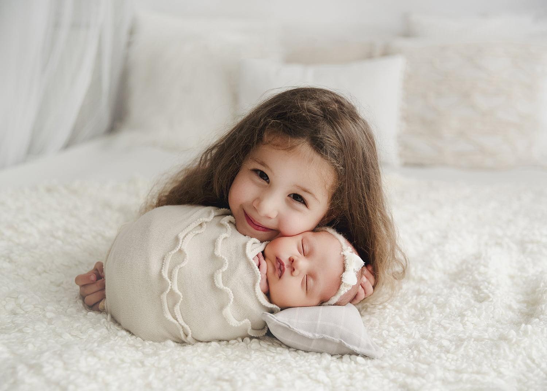 sedinta-foto-bebe-nou-nascuti-fratiori-siblings-madalina-vasile-bucuresti