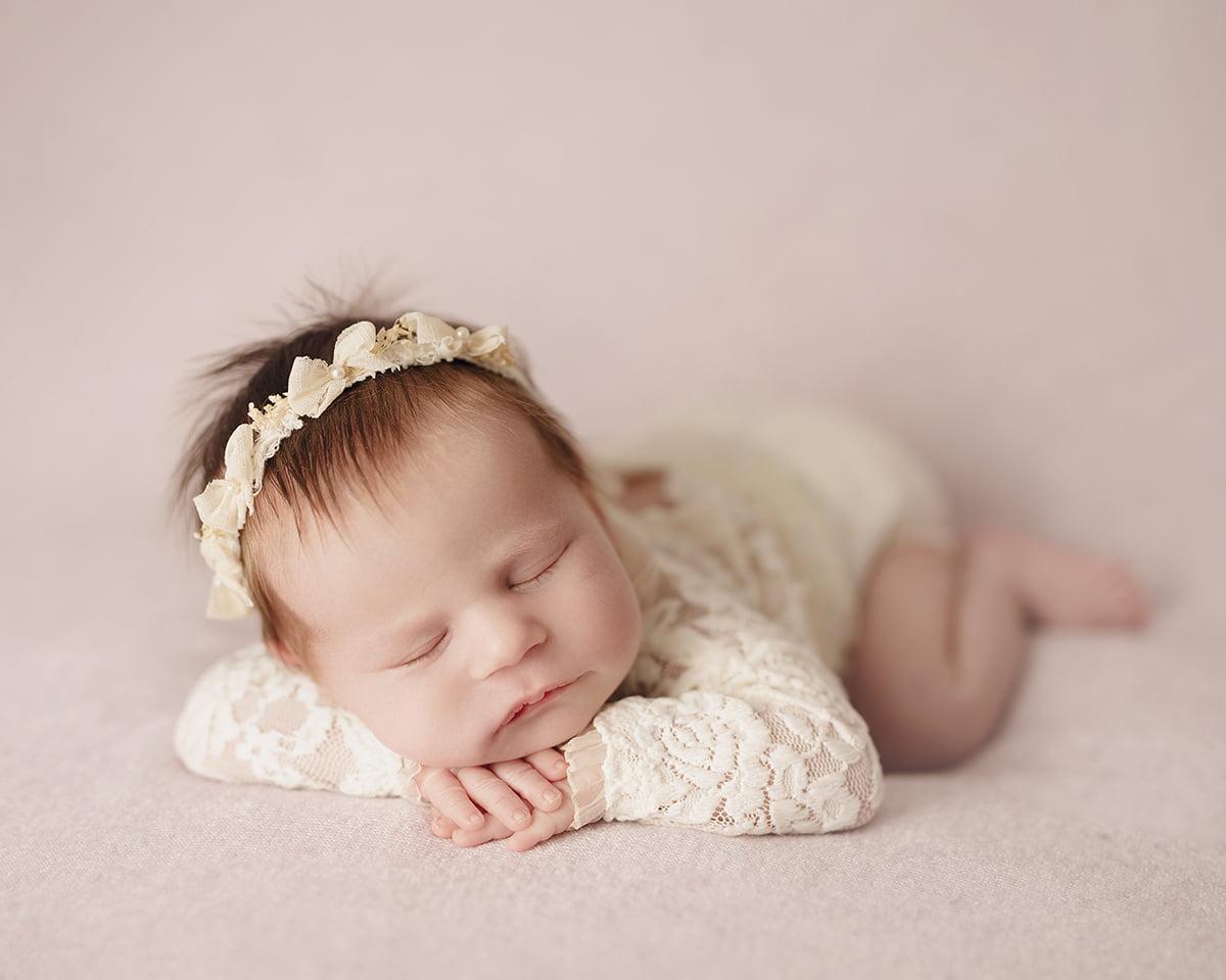 sedinta-foto-nou-nascuti-bucuresti-poze-bebelusi-fotograf-madalina-vasile